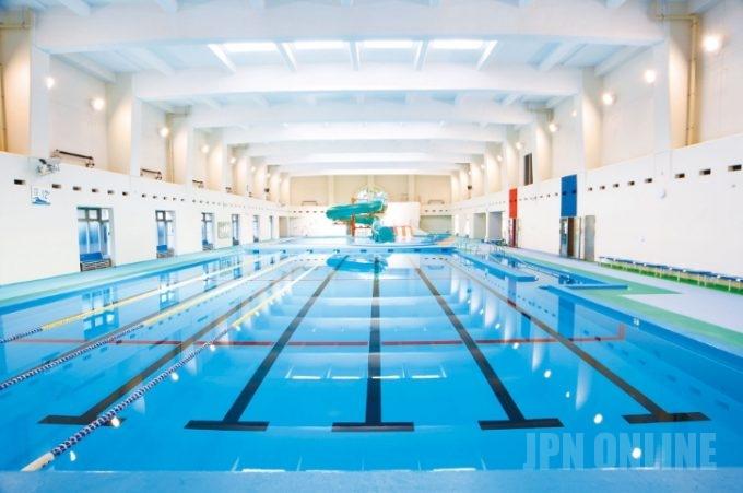 【マジカ!?】ポーランドの13歳の少女、プールに入っただけで妊娠したと父親がプール経営者を訴える!