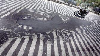【気温45℃】地球温暖化が原因か!?インドで熱波のため1000人以上の死者